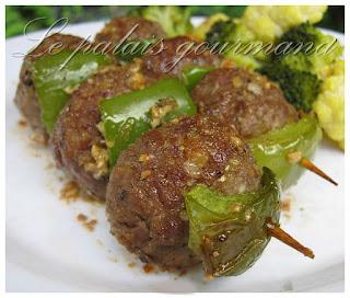 Brochettes de boulettes de viande érable et ail