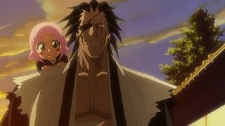 Yachiru no ombro de Kenpachi