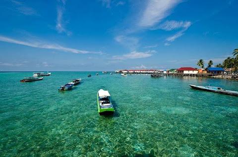 Pulau Derawan Pulau Tropis