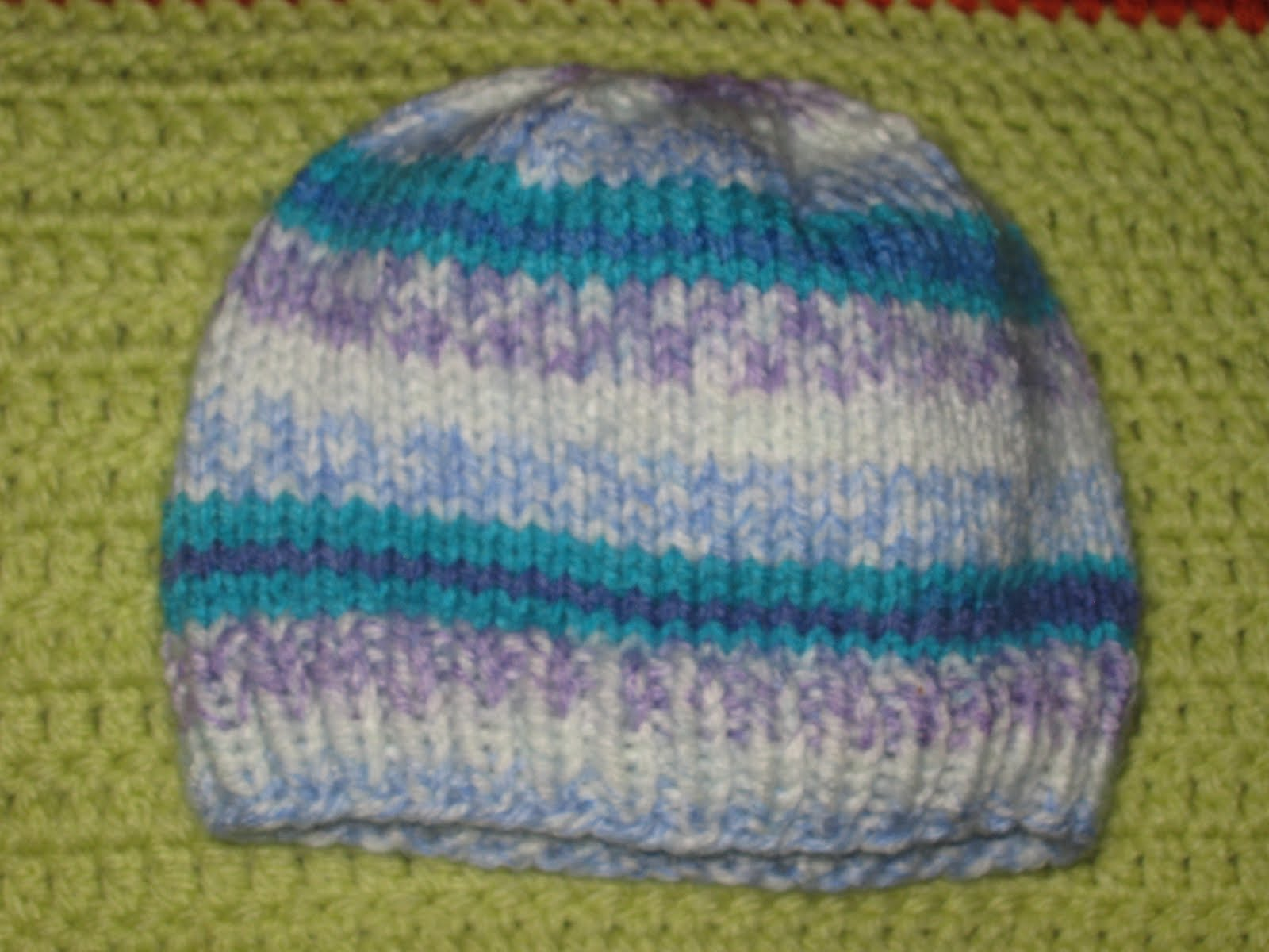 Knit Pattern For Baby Hat : Basic Newborn Knit Hat