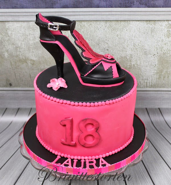 brigittes tortendesign high heels mit torte in pink schwarz zum 18 geburtstag. Black Bedroom Furniture Sets. Home Design Ideas