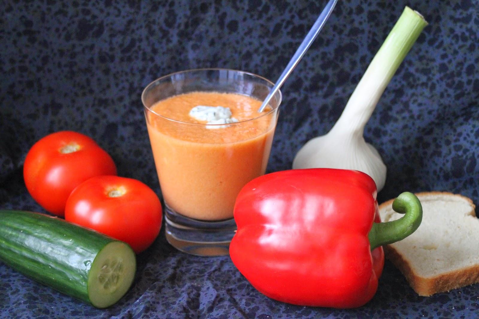 Gazpacho, nestemäistä salaattia