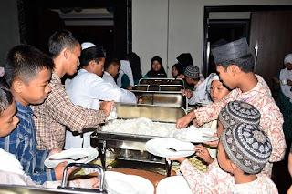 HUT Ke-5 Dafam Hotel Santuni 500 Yatim Dari 5 Agama Berbeda