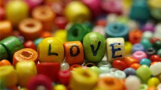 Imagen tierna de amor de perlas