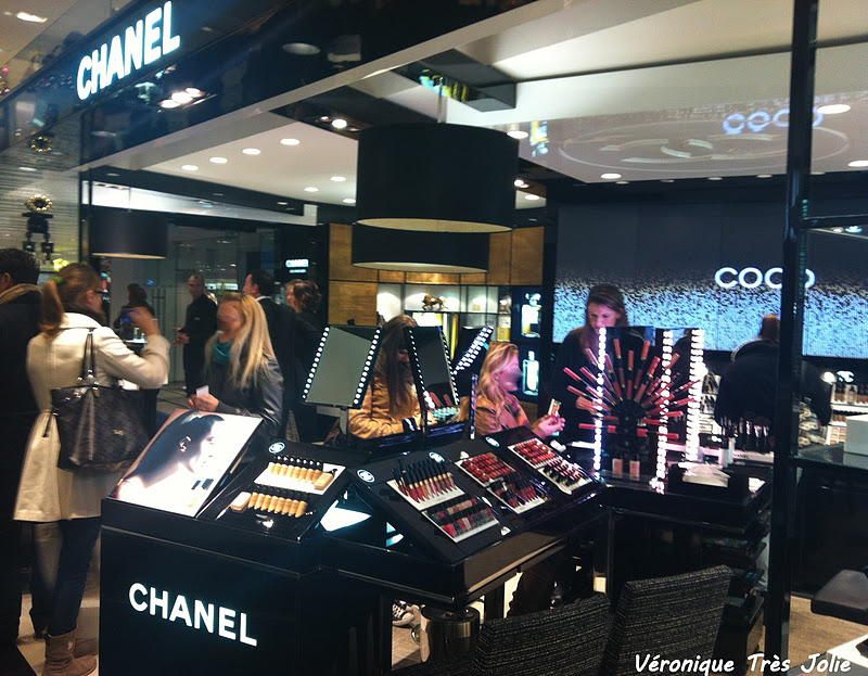 Espace chanel presso la rinascente milano make up for Chanel milano boutique