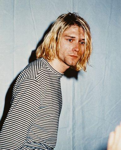 Ficha de Jeretron - Hayden Lutherking Kurt-cobain