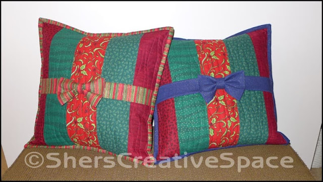 pillow tutorial, christmas pillow tutorial, holiday tutorial, christmas pillows, pillows, sewing tutorial, free sewing pattern, blog tutorial, free tutorial