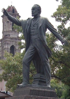 Estatua de Guillermo Prieto