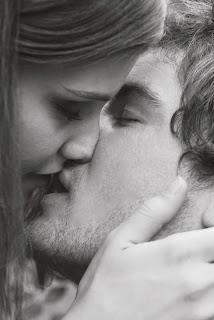 5 Razones del porque es bueno besarse