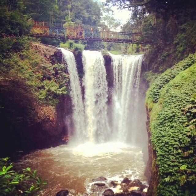 Air Terjun Ciomas Maribaya Bandung