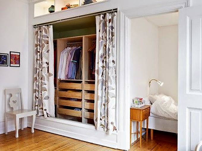 Decoraci n f cil armarios lowcost con cortinas for Cortinas para armarios empotrados