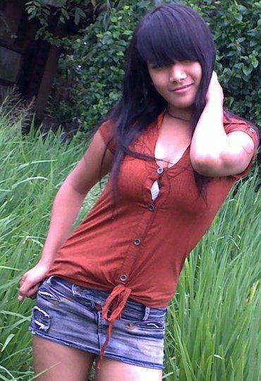 Gadis Desa Paling Hot Yang Berpose Di Sawah [ www.BlogApaAja.com ]