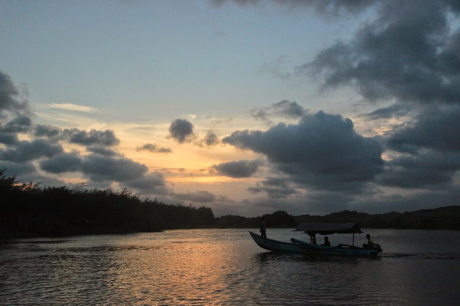 wisata-kebumen-pantai-lembupurwo