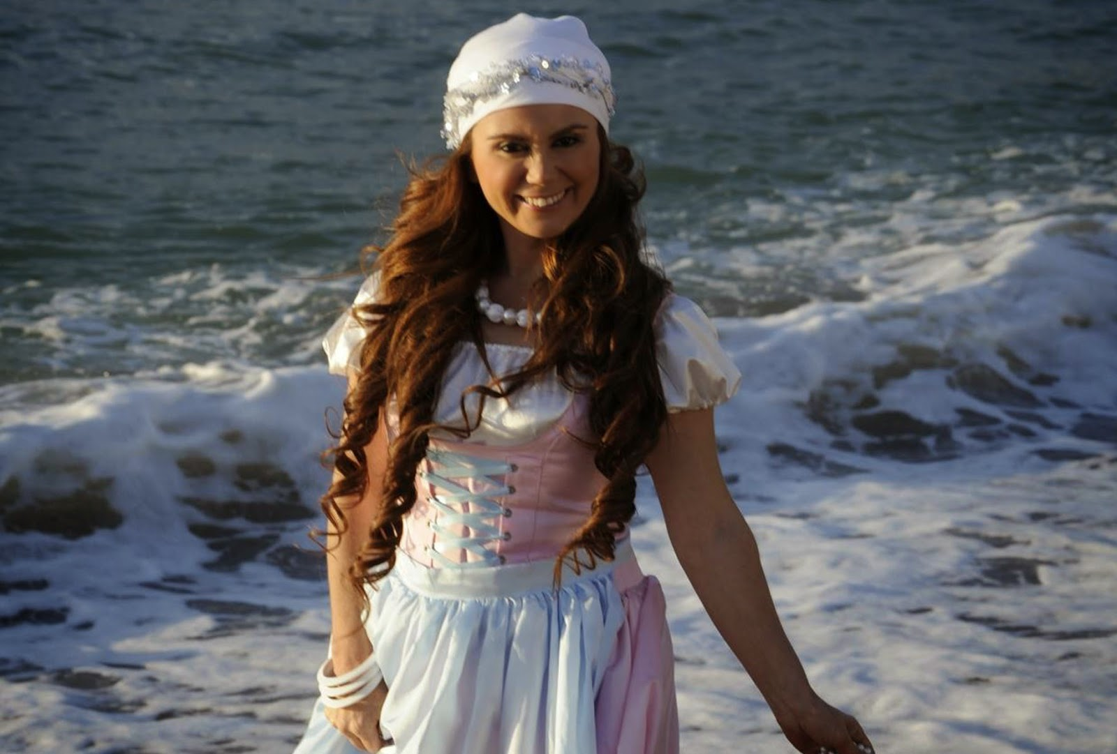Hülya Polat - Sen Rüzgar Bende Yaprak Şarkı Sözleri