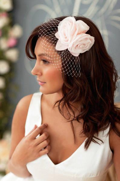 Al contrario se il matrimonio è civile allora solo la sposa porta il  cappello. Il cappello diventa per il matrimonio francese l elemento di  disturbo. a8f79463e5bf