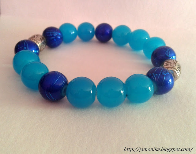 Niebieska bransoletka z koralików z przekładką