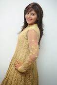 Anjali latest glamorous photos-thumbnail-12