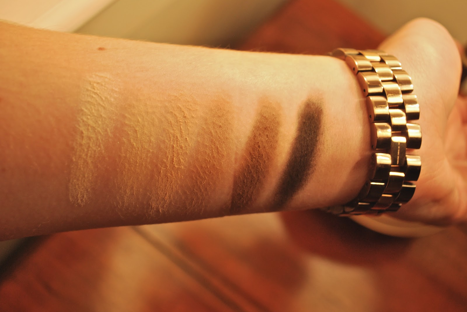 Urban Decay Naked Basics Palette swatches