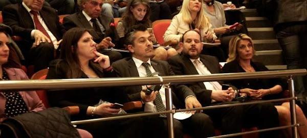 Χοντρό επεισόδιο και σόου της Κωνσταντοπούλου -Άρχισε να φωνάζει στην Ευρωπαία Επίτροπο [βίντεο]