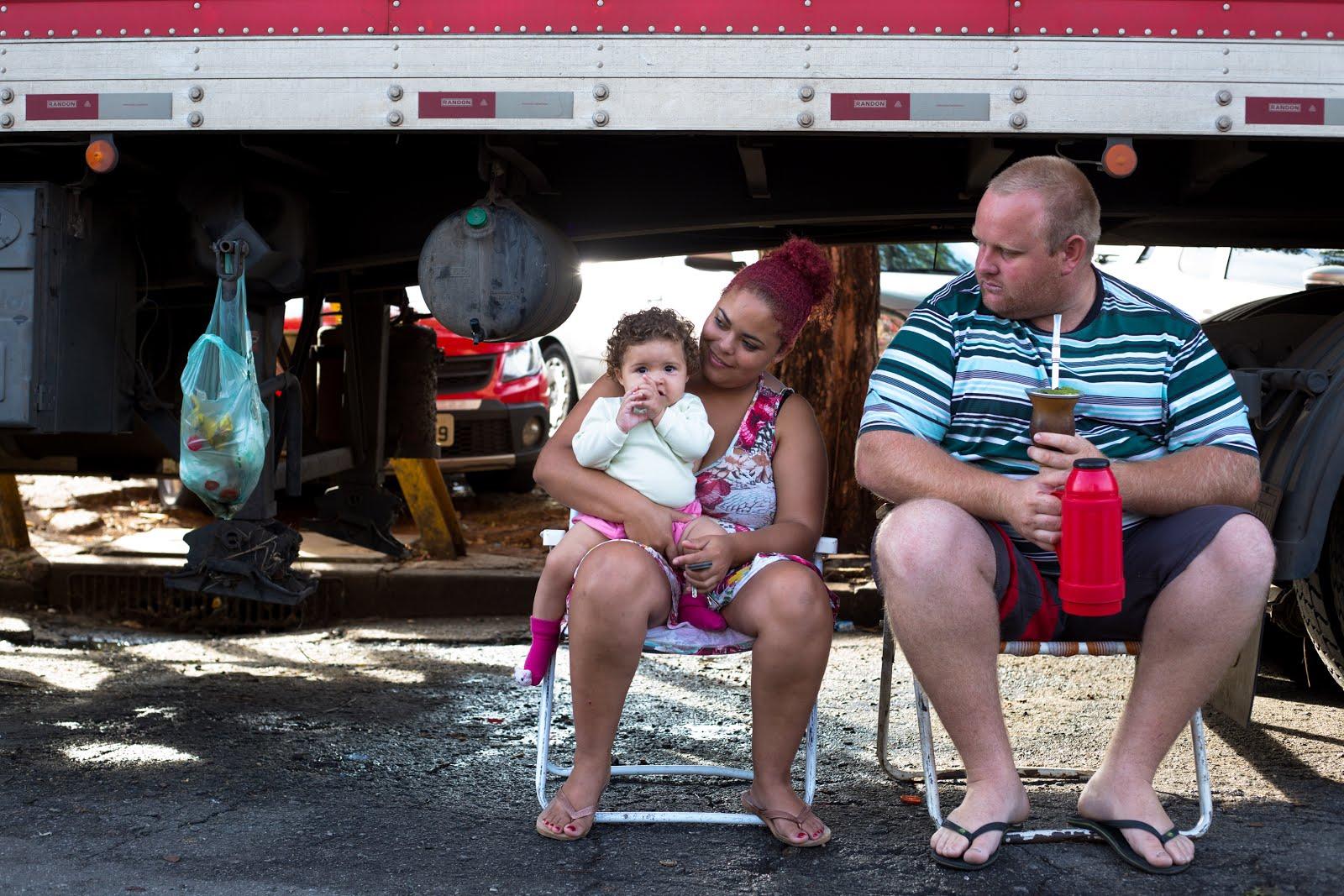Pai caminhoneiro, família caminhoneira
