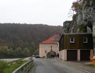 Straße zum Kloster Weltenburg