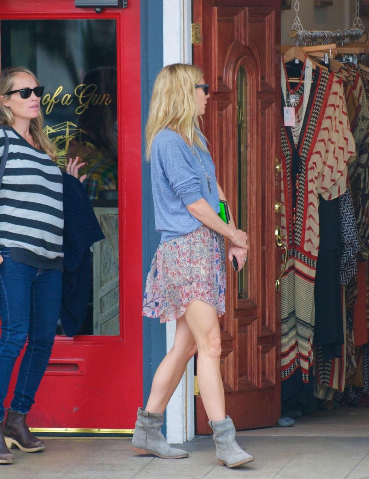http://4.bp.blogspot.com/-pwpovUpXmrc/T6jr9gV5zWI/AAAAAAAAEfk/bpxYegwo5Z4/s1600/Gwyneth+Paltrow-Beverly-Hills-2012-02.jpg