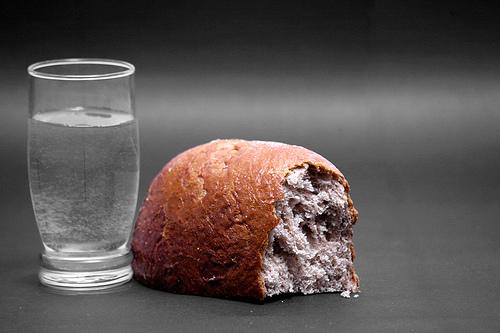 Hasil gambar untuk air dan roti