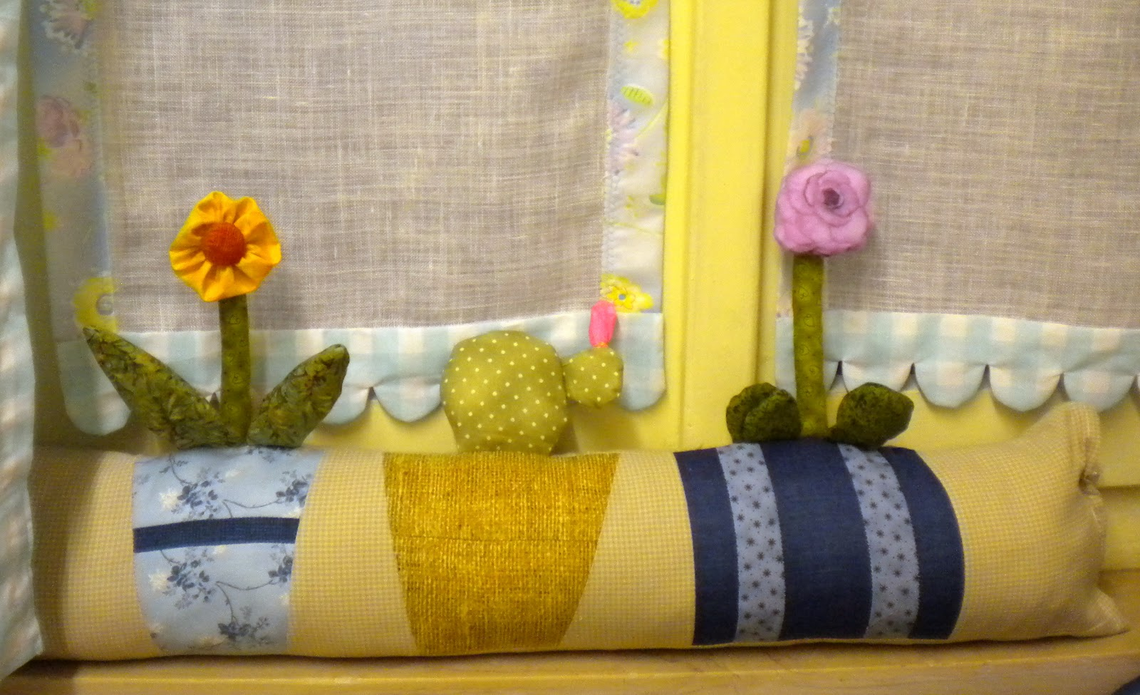 Il patchwork veste casa paraspifferi - Paraspifferi per finestre ...