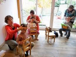 Atelier de massage entre enfants et relaxation corporelle