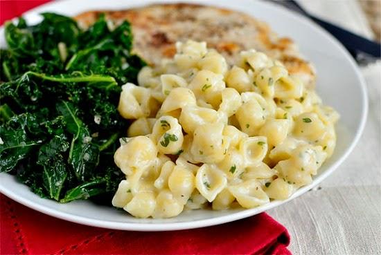 http://iowagirleats.com/2013/03/06/creamy-garlic-shells/