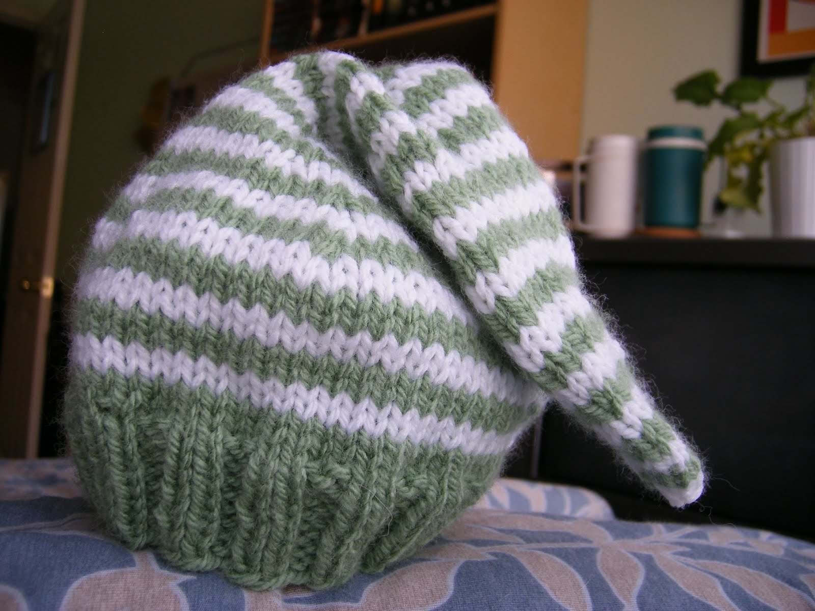 how to make a munchkin hat
