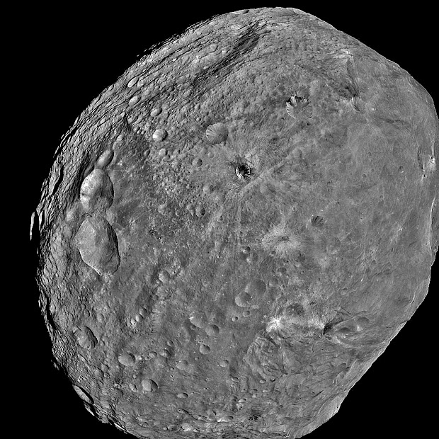 Asteroid Vesta full-frame image taken by Dawn spacecraft!