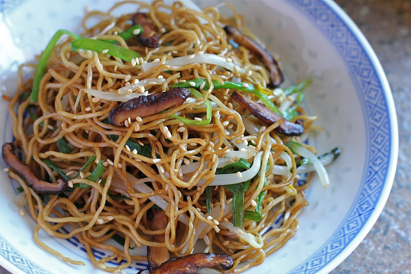 ... of the Blue Apocalypse: Soy Sauce Chow Mein (Stir Fried Egg Noodles