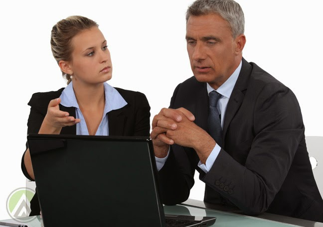 how to talk to an employee who is not performing
