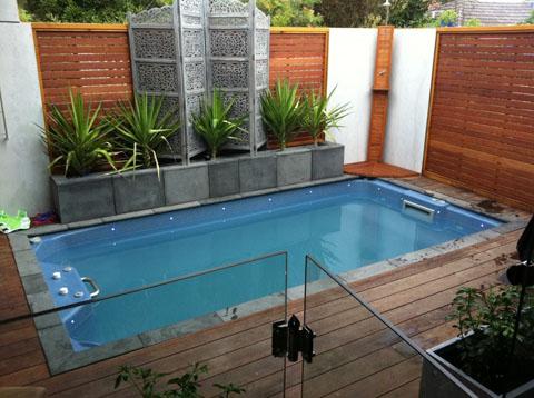 gambar rumah minimalis terbaru kolam renang kecil