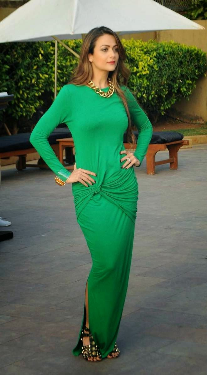 Amrita Arora Latest Cute Spicy Hot Green Gown Photos