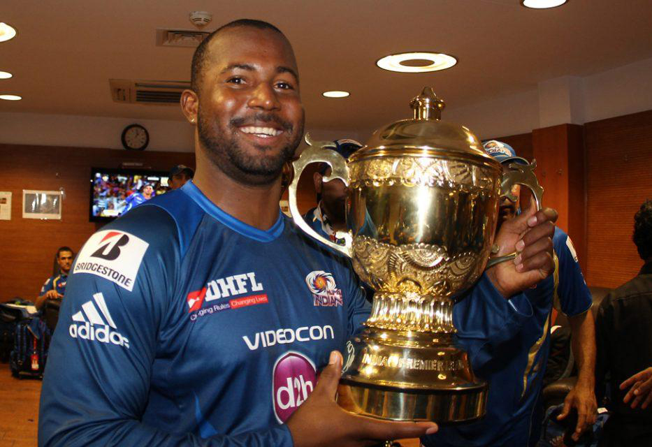 Dwayne-Smith-celebrates-MI-Win-IPL-2013