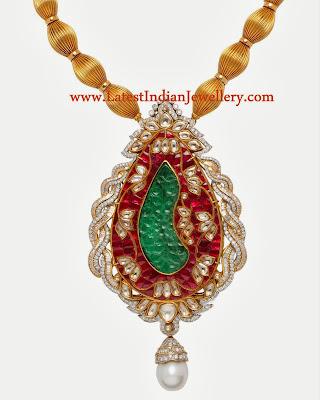 Exotic Diamond Pendant Design