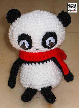 crocheted panda emoticon replica amigurumi