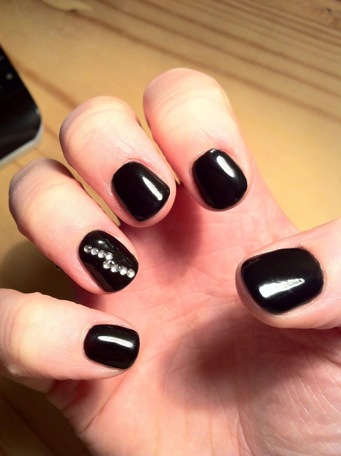 Brush up and Polish up!: CND Shellac Blackpool and Diamanté Nail Art