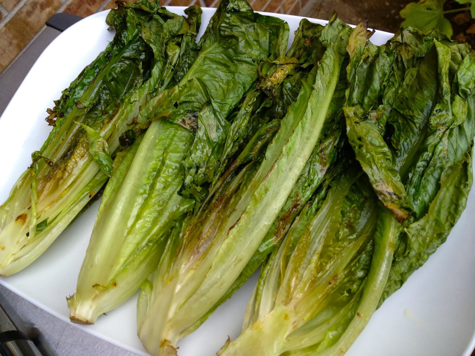 how to cook romaine lettuce on the grill