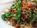 มาครัวริมน้ำ บ้านไร่ทั้งที่อาหารป่าที่ต้องแนะนำผัดเผ็ดสมุนไพร ไก่บ้าน และคั่วนกไก่นารสจัดจ้านรับรอง