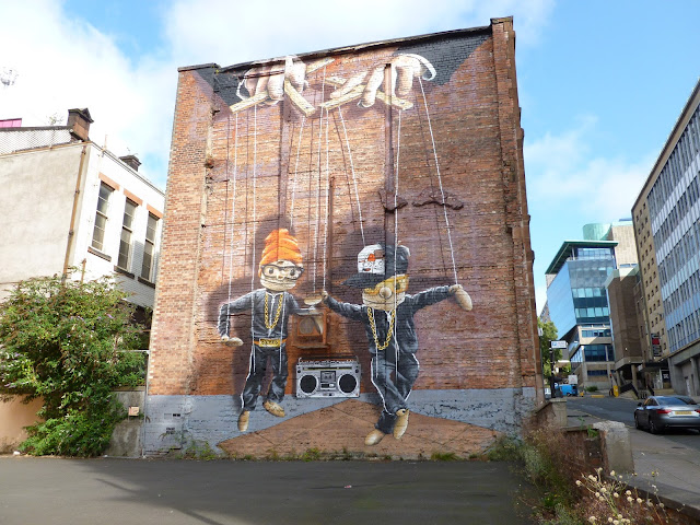 Rogue One's puppet graffiti at John Street Glasgow