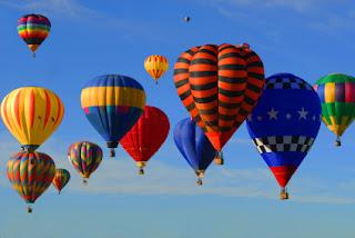 http://4.bp.blogspot.com/-pymuevw1S-Y/UA7PIjG6suI/AAAAAAAADLY/UjnRntHtSWI/s320/Hot_Air_Balloons_iStock_000009931941XSmall.jpg