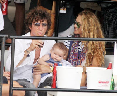 Paulina Rubio couple