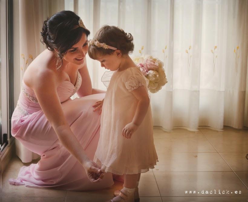 novia vestido rosa y niña vestido rosa