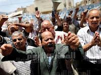 الاعتصامات الفئوية تحاصر قصور الرئاسة.. والمحتجون: مرسى يقول ما لا يفعل