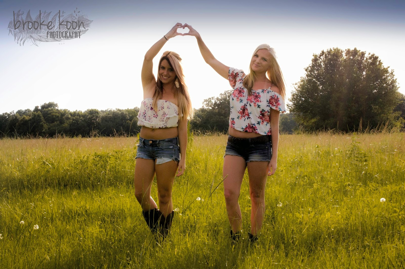 Brooke Koon Photography Best Friend Session Your friends photoshoot stock images are ready. brooke koon photography blogger