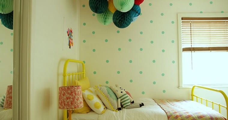 Sleep In Living Room So Kids Can Have Room Each