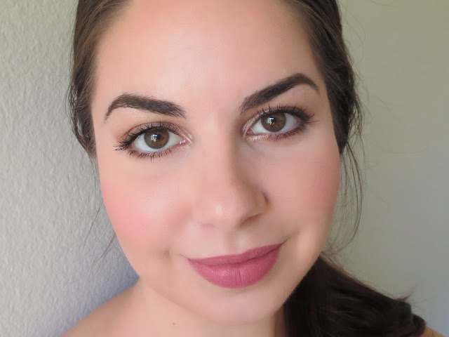a picture of Sweet & simple makeup look ; Urban Decay Naked Smoky Palette